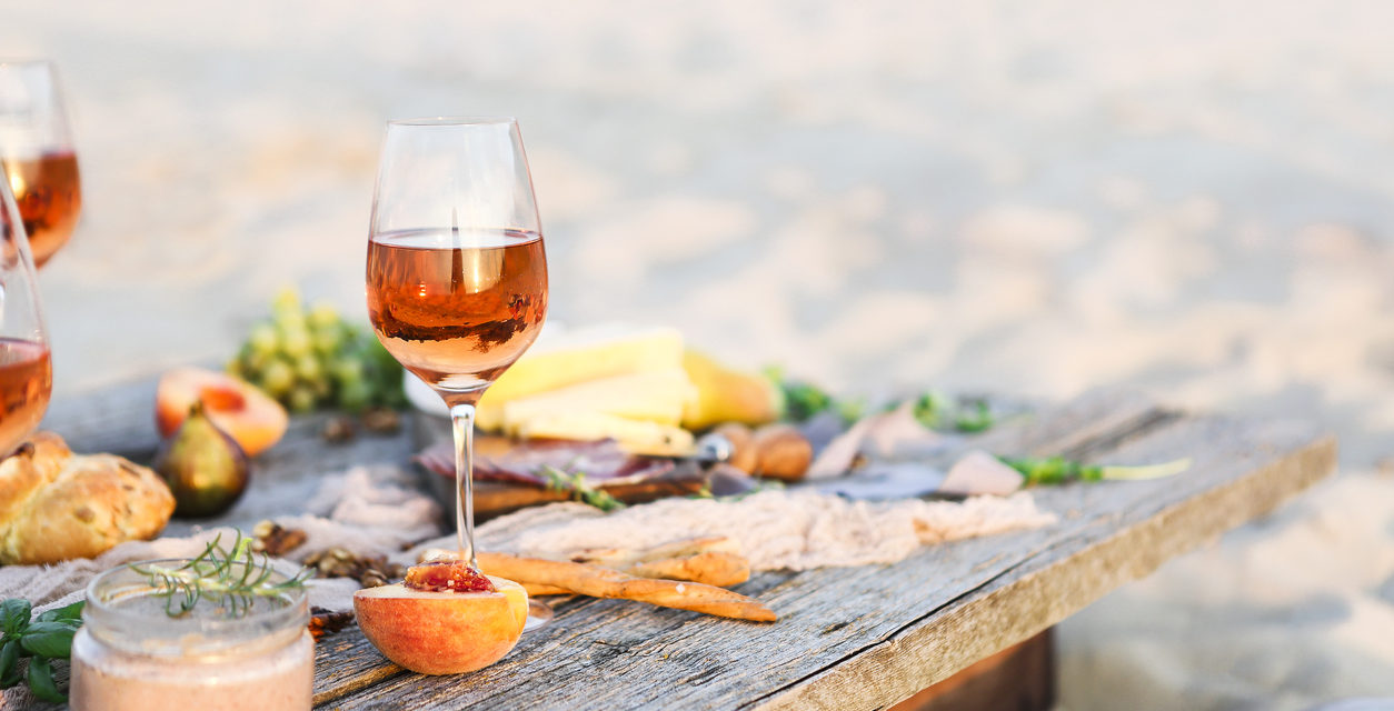 5 Wines for a Sunny Day on the Patio