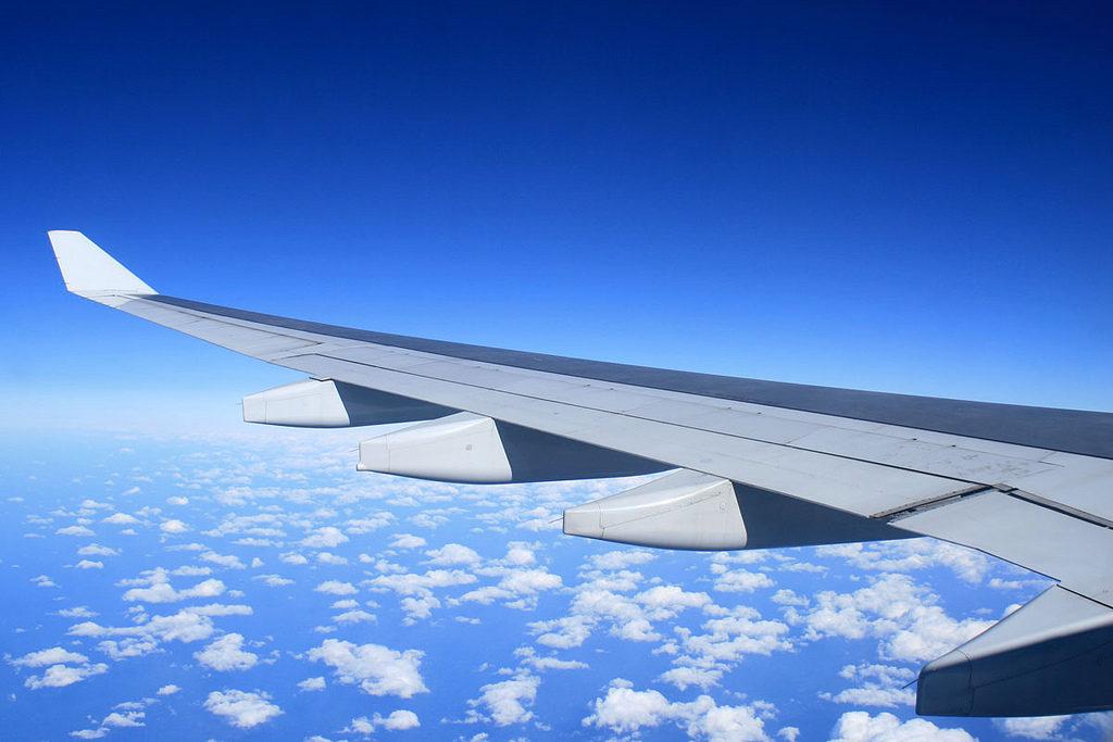 Air plane Photo Credit: U-ichiro Murakami (Flickr).