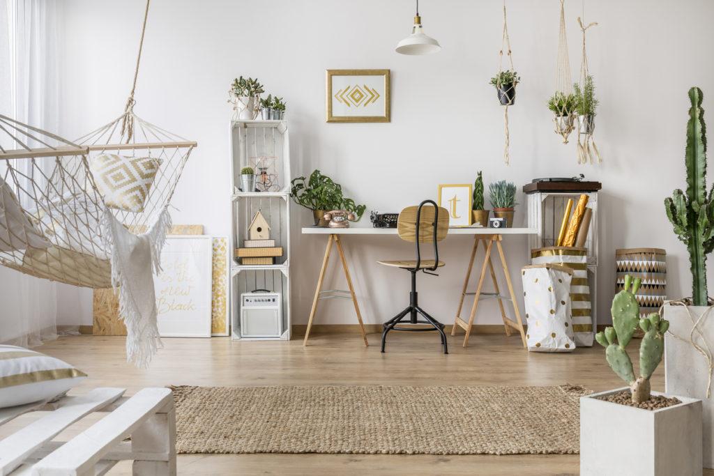 Living Room Photo Credit: KatarzynaBialasiewicz (iStock).