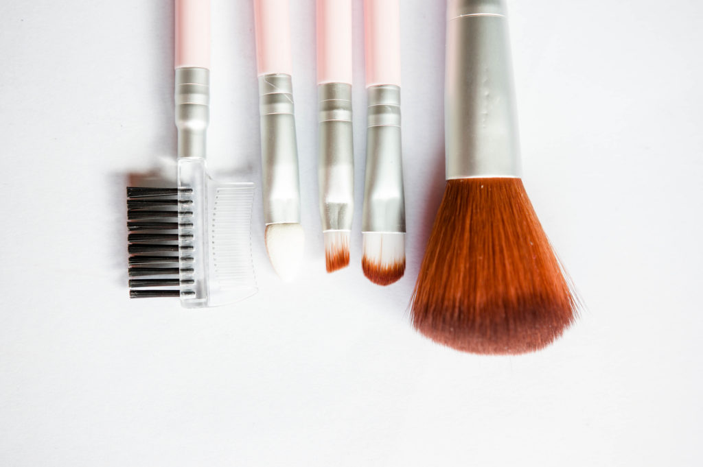 Makeup Brushes, Photo Credit: Marco Verch (Flickr).