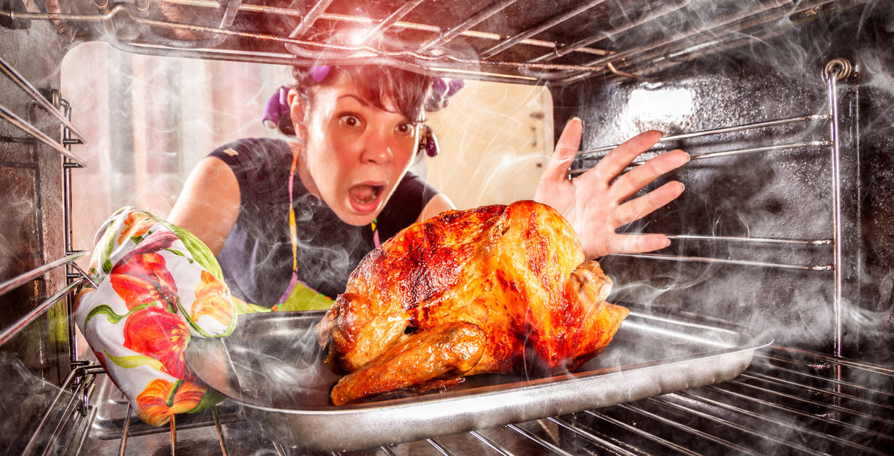 6 Disasters to Avoid When Hosting Your First Thanksgiving Dinner
