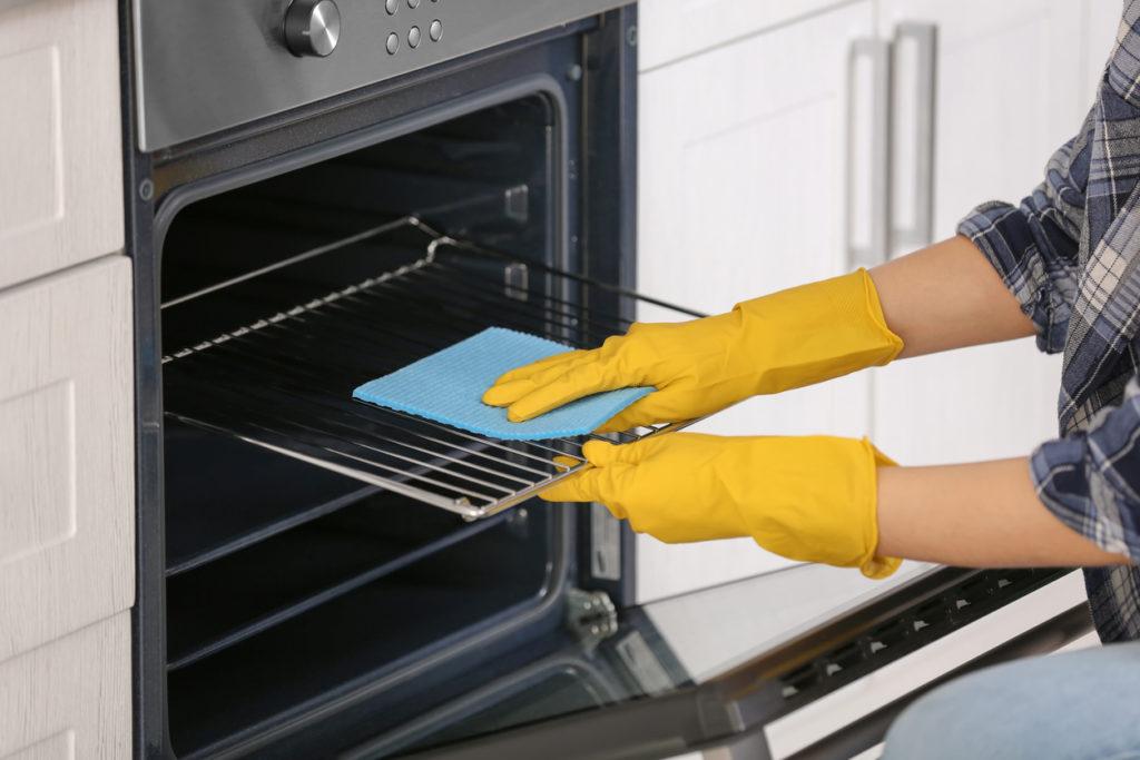 Clean Oven Photo Credit: belchonock (iStock).