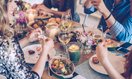 4 Tips For Hosting A Party In a Small Space