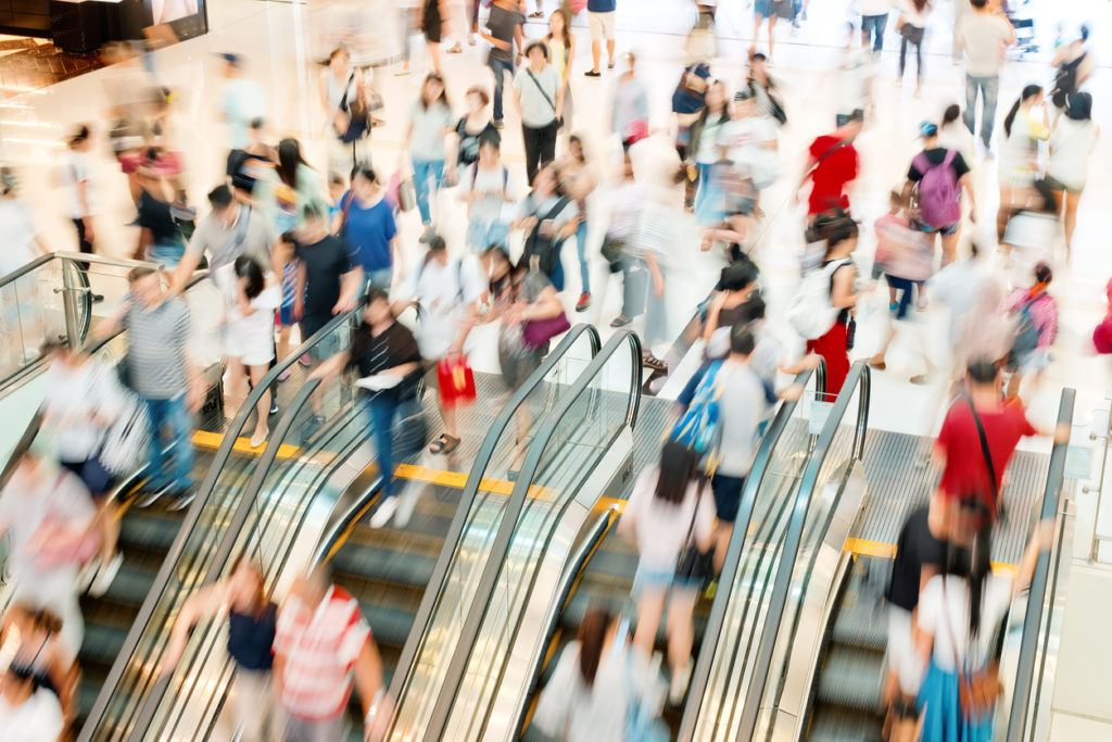 Shopping Crowds, Photo Credit: estherpoon (iStock).