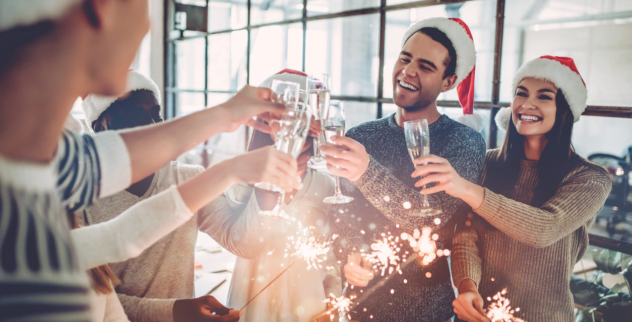 How to Throw an Epic Holiday Bash On a Budget