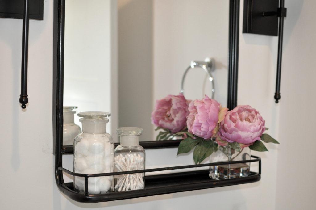 Bathroom, Design, Mirror Photo Credit: KURJANPHOTO (iStock).