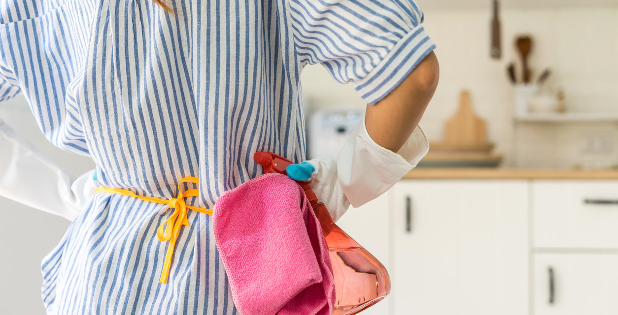10 Clever Ways to Clean With Vinegar