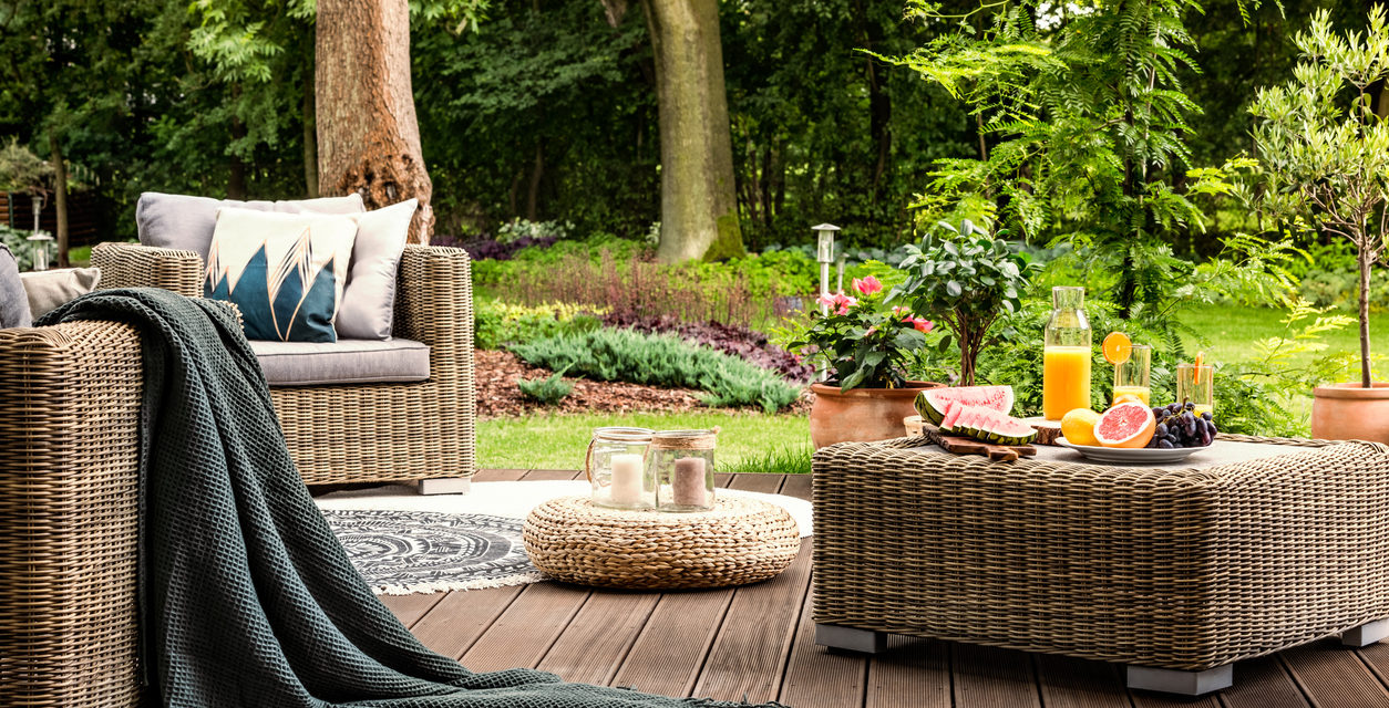 6 Tips to Create The Ultimate Outdoor Entertaining Space